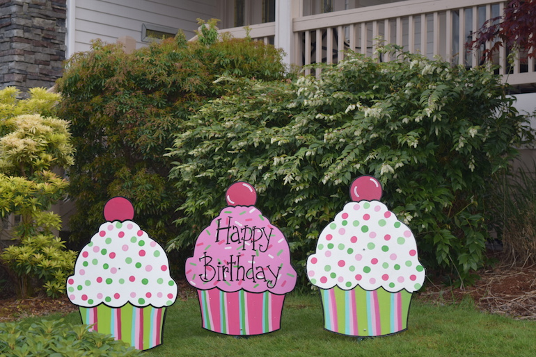 Shopping Cart 32 Three Girls Happy Birthday Cupcake Yard Signs Pink Green Fun Party Decorations