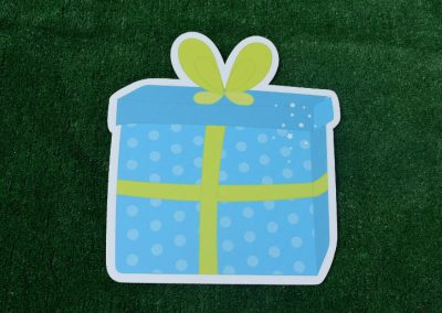 G-56 Blue Green Polka Dot Present Yard Sign