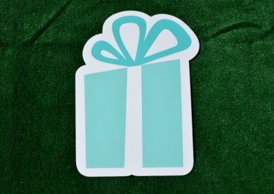G-59 Green White Birthday Gift Yard Sign