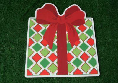 Christmas diamond pattern present yard sign