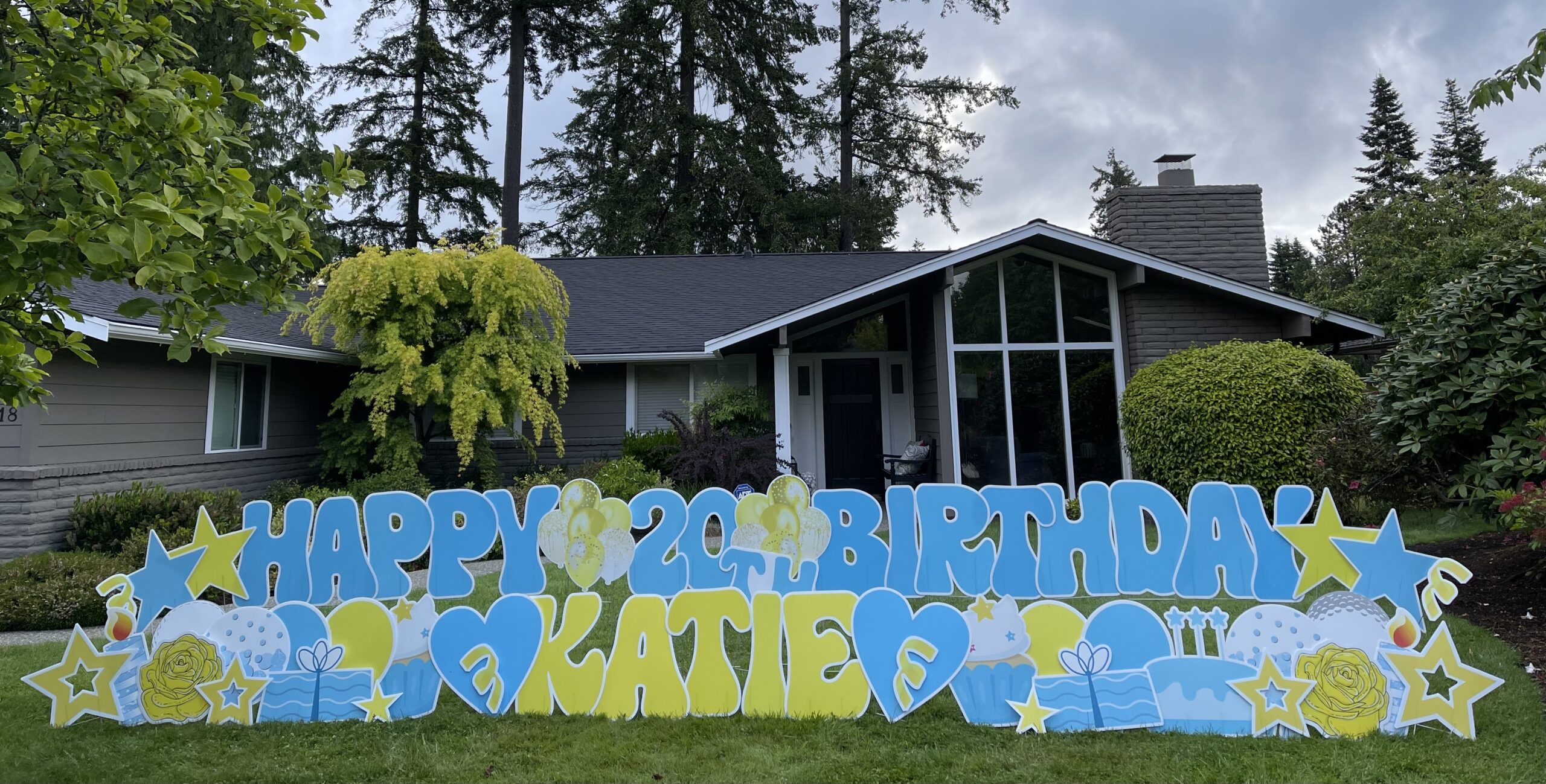 Yard Announcements Loves to help you Party with our Super Fun Birthday Yard Signs in Washington State!